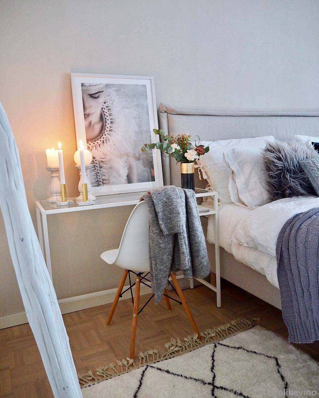 woolen bed vase and painting designer rugs