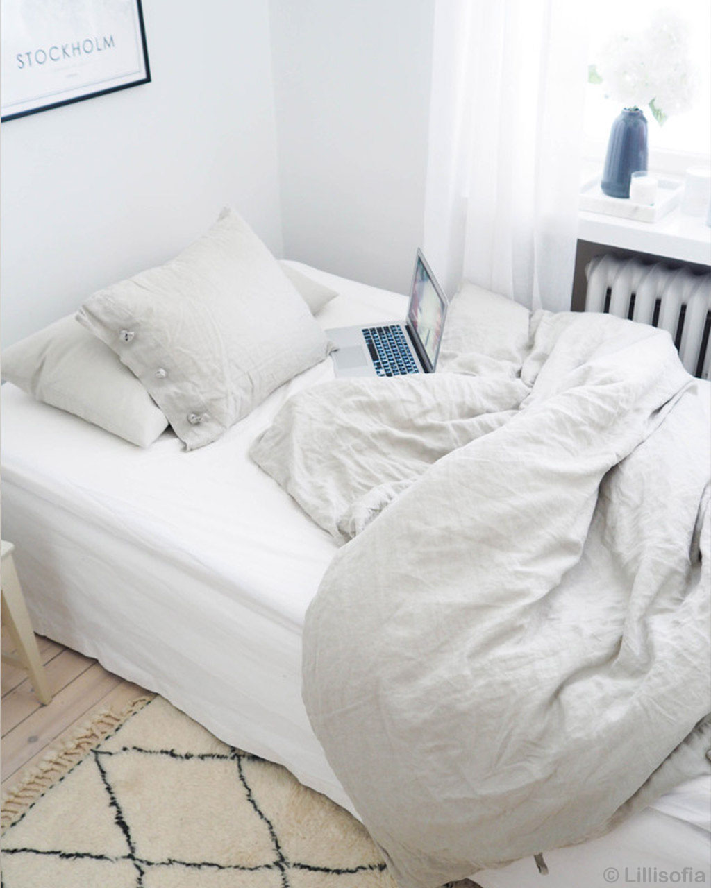 woolen white bedsheet and white pillows made in morocco modern accent rugs