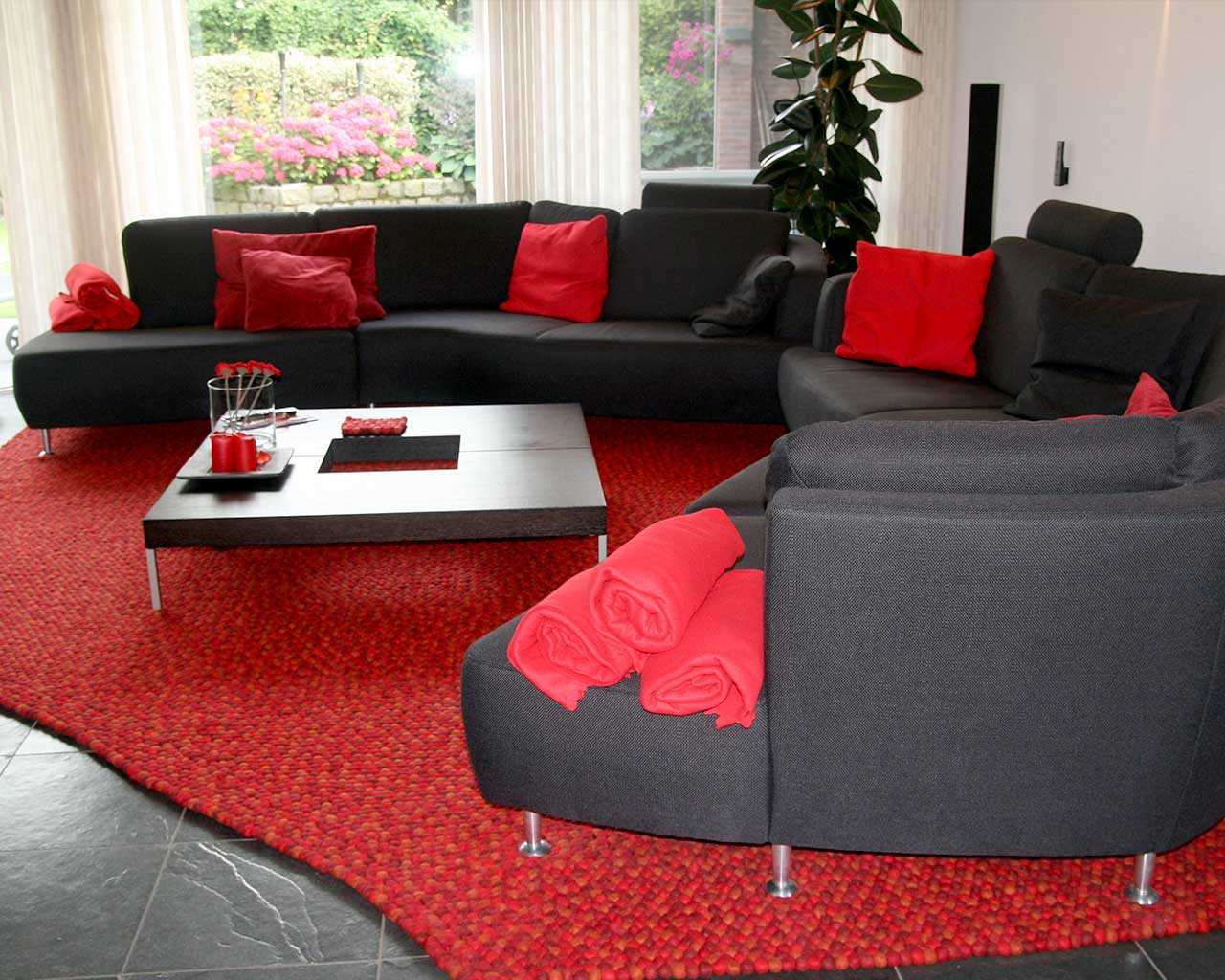 large carpet felt red living room