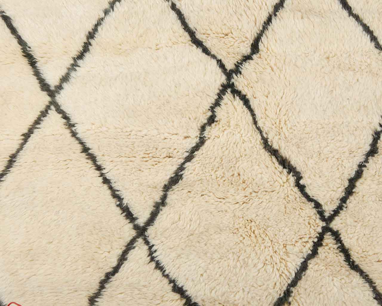 large diamond pattern wool round rugs 1